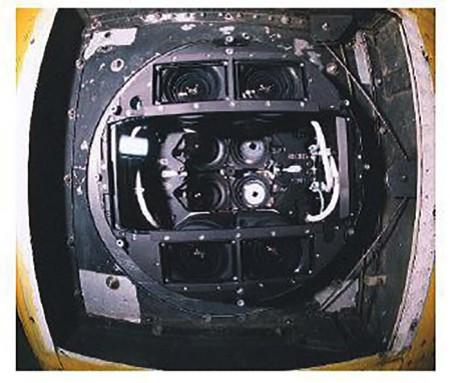 نمایی از دوربین DMC از زیر هواپیما,دئربین رقومی DMC,فتوگرامتری